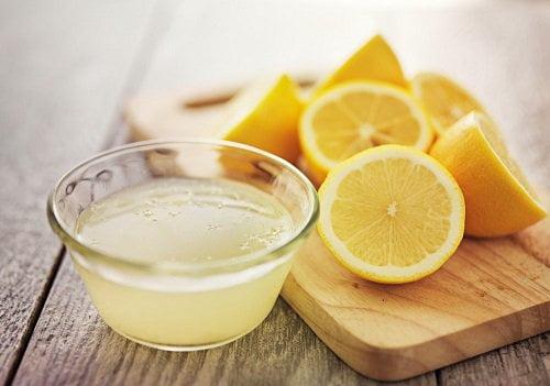 mascarilla casera de jugo de limón para la piel
