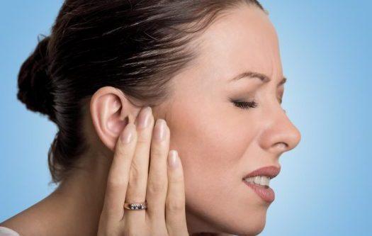¿Tiene un bulto en el cuello o un bulto detrás de la oreja?