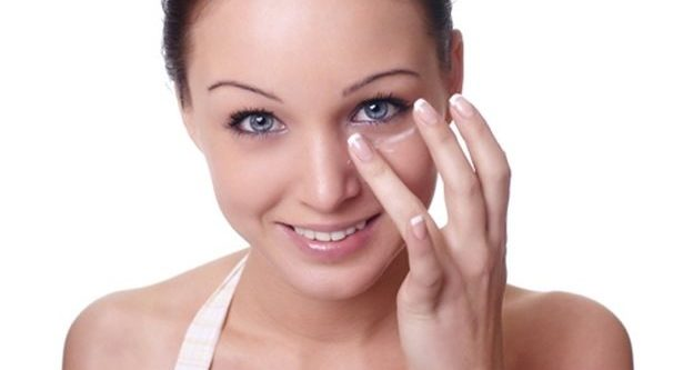 4 Remedios caseros para aliviar los ojos cansados
