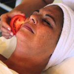 Mascarillas caseras de tomate para la piel, el acné y espinillas