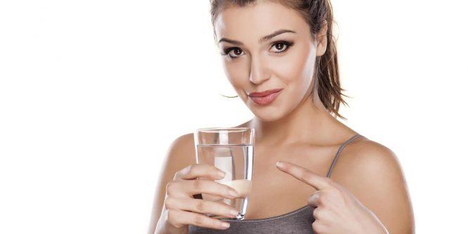 ¿Porque no es bueno beber agua fria después de las comidas?
