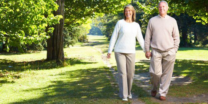 ¿Caminar a diario ayuda a reducir los niveles de colesterol?