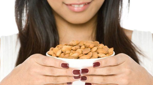 Beneficios de la almendra cruda para adelgazar y perder peso