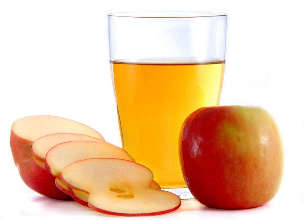 vinagre de sidra de manzana a tratar la caspa