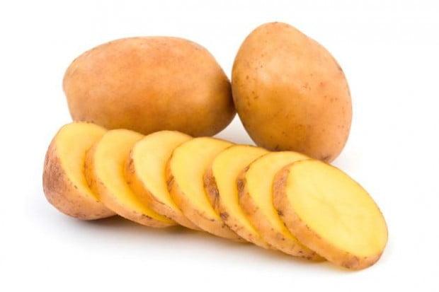 Beneficios para el azúcar en la sangre al comer las pieles de las patatas
