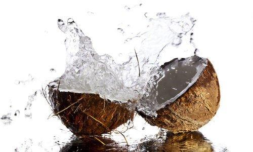 El agua de coco te proporciona potasio