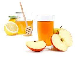 El vinagre de sidra de manzana con agua y miel